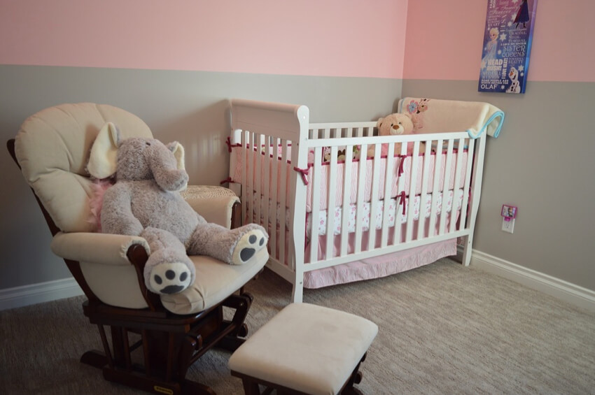 A toddler bedroom